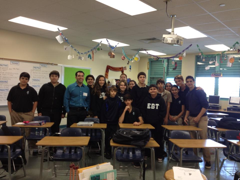 Rodolfo Roman visits local school to speak on journalism